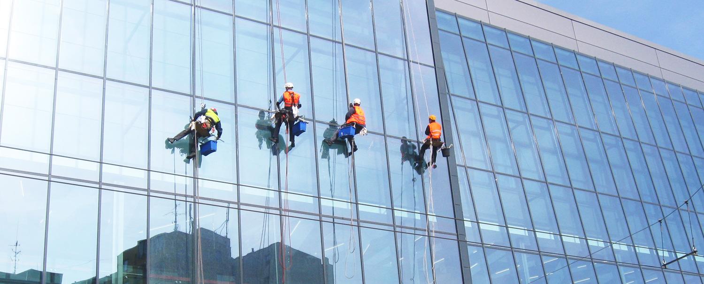 Umývanie okien – profesionálne umývanie, prvotriedny servis