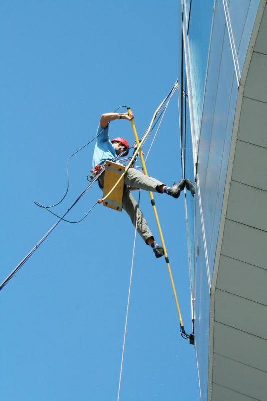 Umývanie okien pomocou Reach and Wash metódy